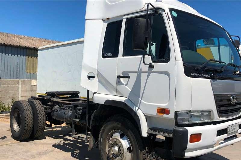 Nissan Truck Tractors Single Axle UD95 4x2 T/T 2007