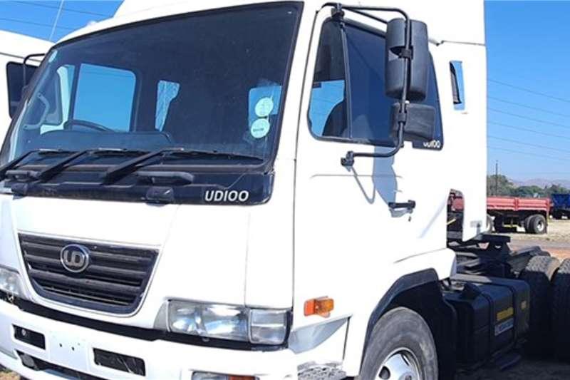 Nissan UD100 4x2 Horse Truck tractors