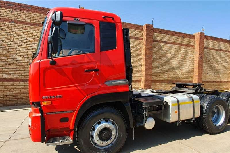 Nissan UD26 410 QUON,6x4 ONE COMPANY OWNED,FSH Truck tractors