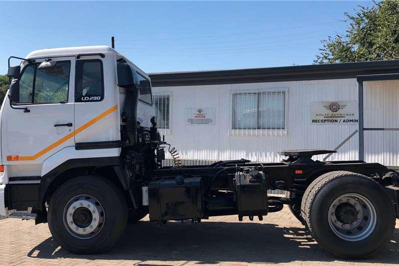 Nissan UD290 4x2 Truck tractors