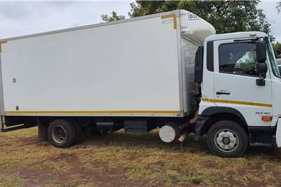 Nissan UD 180 CRONER WITH TAIL LIFT Truck
