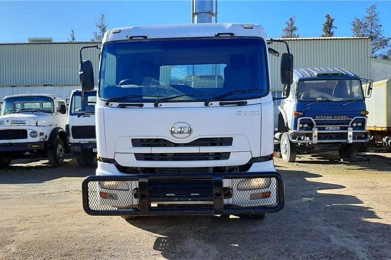 Nissan Truck UD 26 490 QUAN 2014