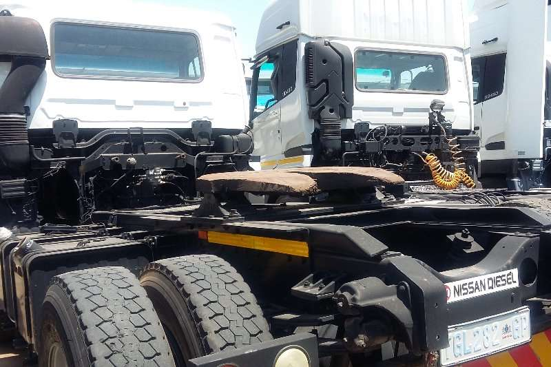 Nissan UD 290 single diff horse truck Truck