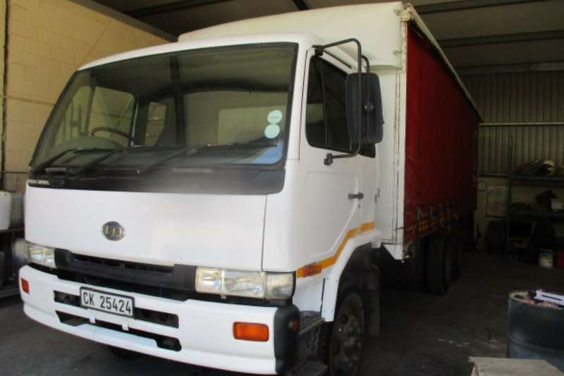 Nissan Truck UD 90 2001
