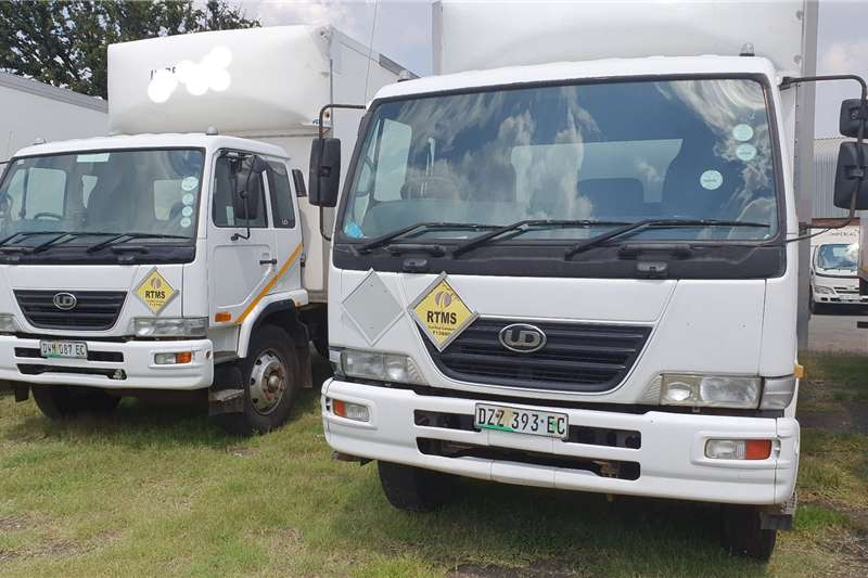 Nissan Truck UD 90 2007