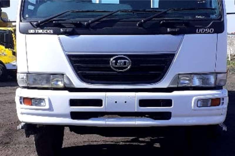 Nissan UD 90 DROPSIDE Truck