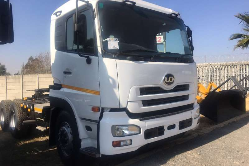 Nissan Truck UD390 Horse 2008