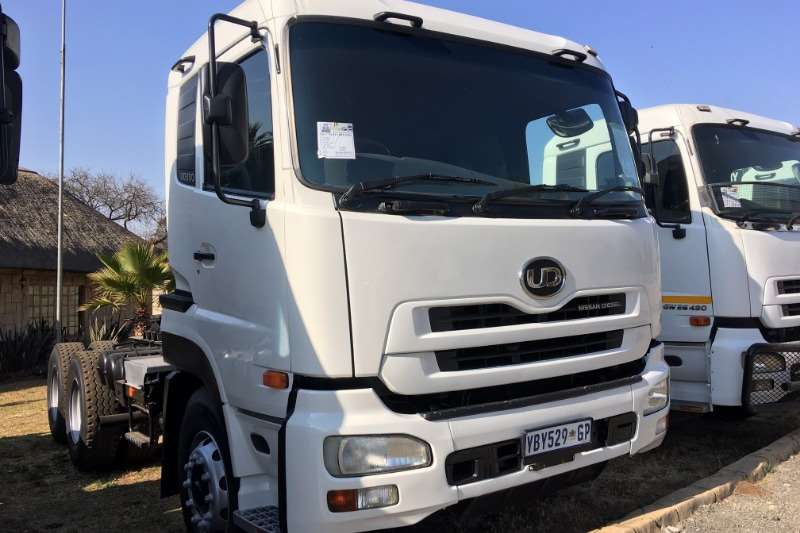 Nissan Truck UD390 Horse 2009