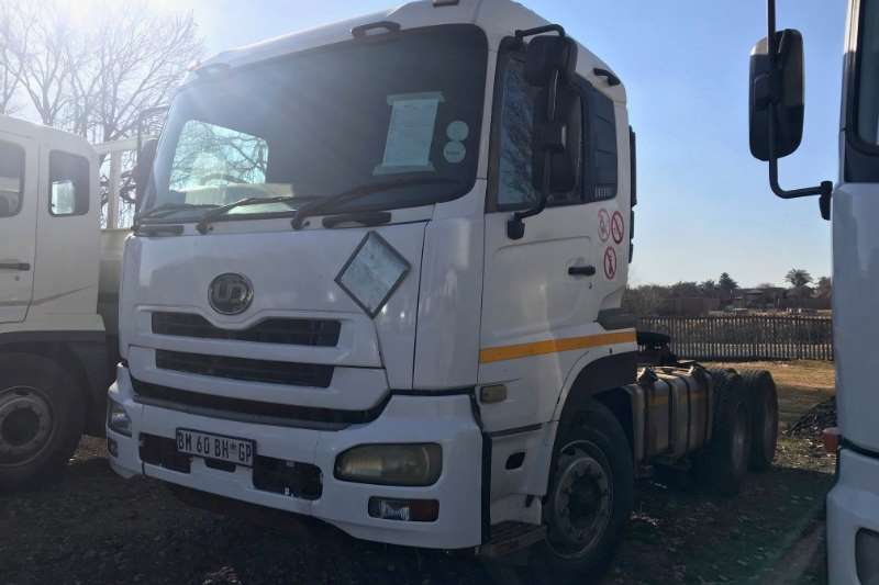 Nissan UD390 Horse Truck