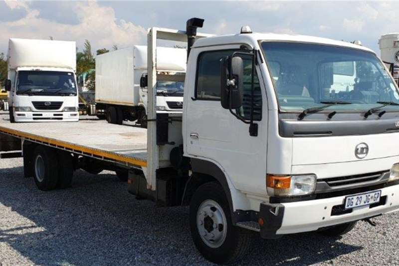 Nissan Truck UD40 Flat Deck