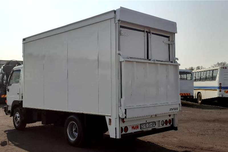 Nissan UD40 VAN BODY Truck