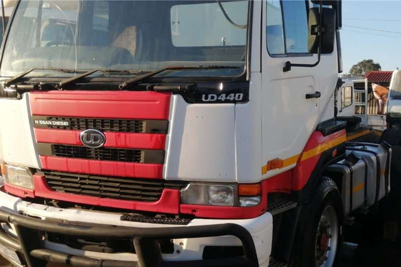 Nissan Truck UD440 2006