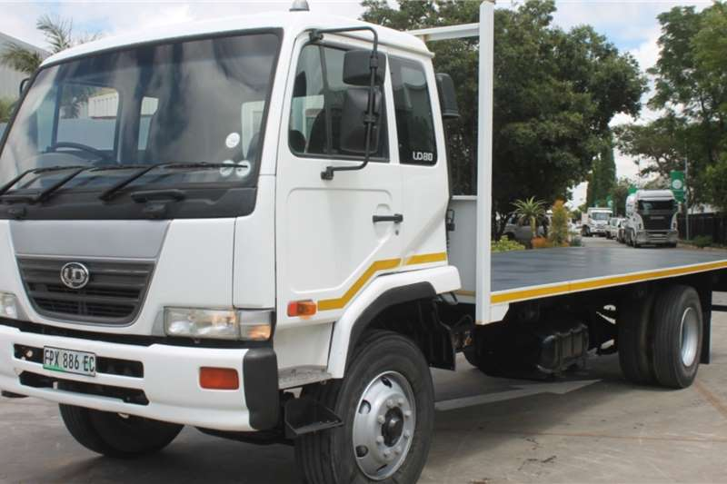 Nissan Truck UD80 4x2 Flatdeck Truck 2005