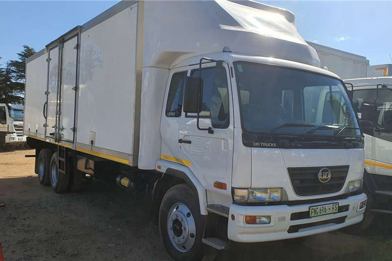 Nissan Truck UD90 2014