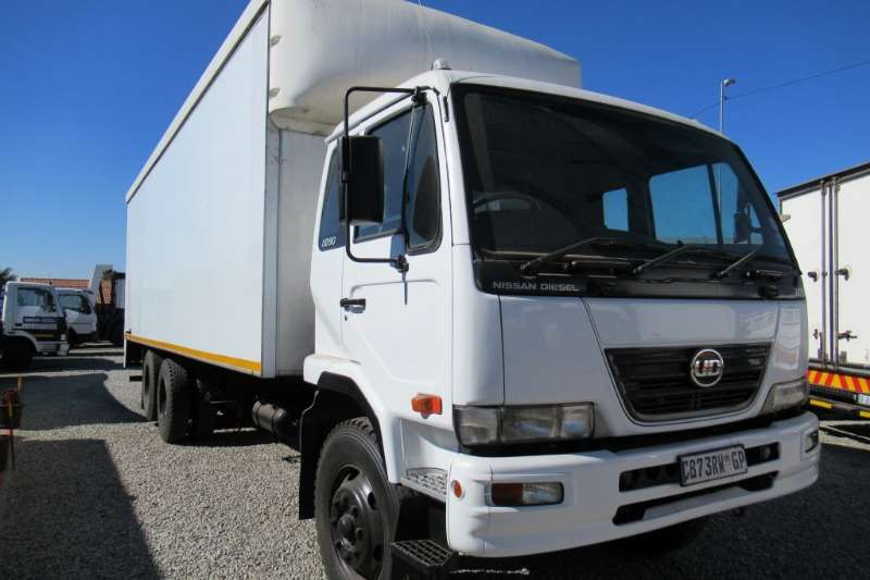 Nissan Truck Van body 14 ton Nissan UD90 with tag axle 2012