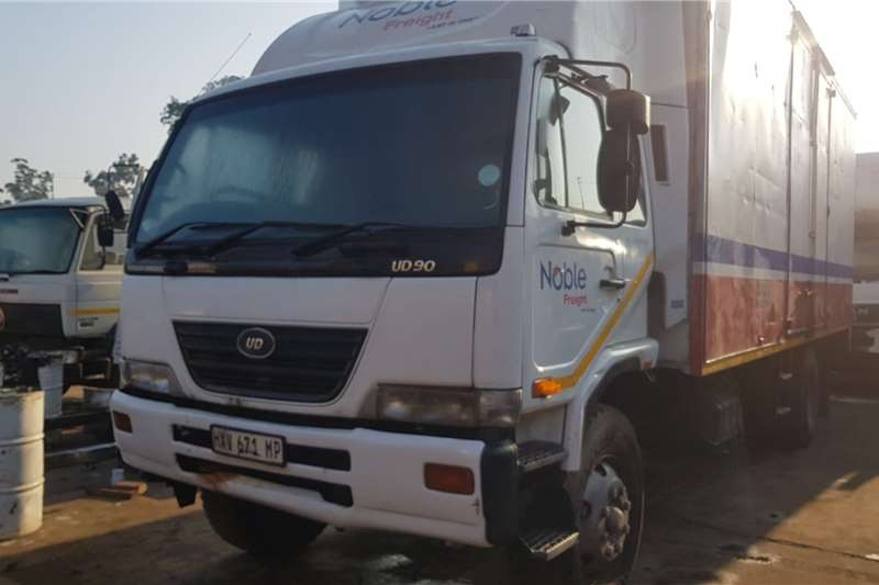 Nissan Truck Van body UD90 2010