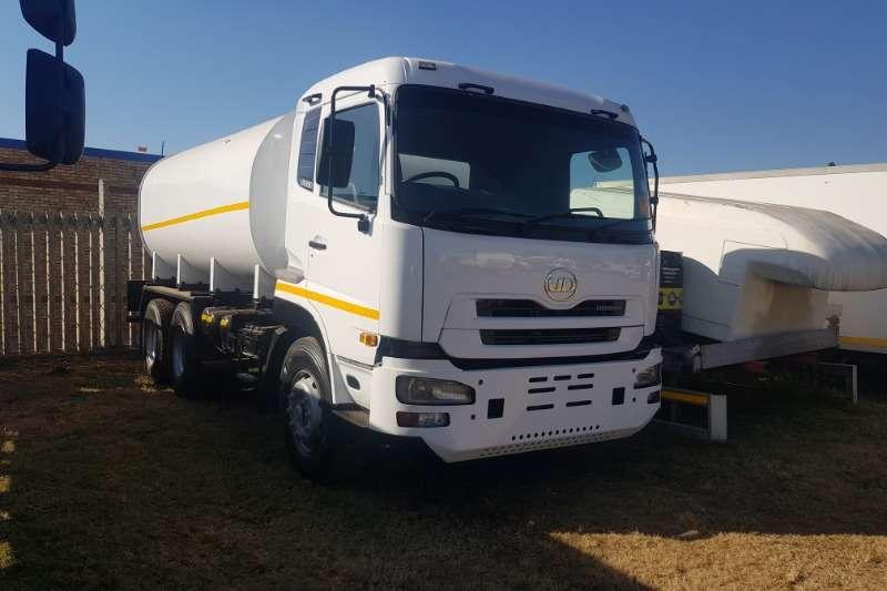 Nissan Truck Water tanker UD390 (16 000L) 2011