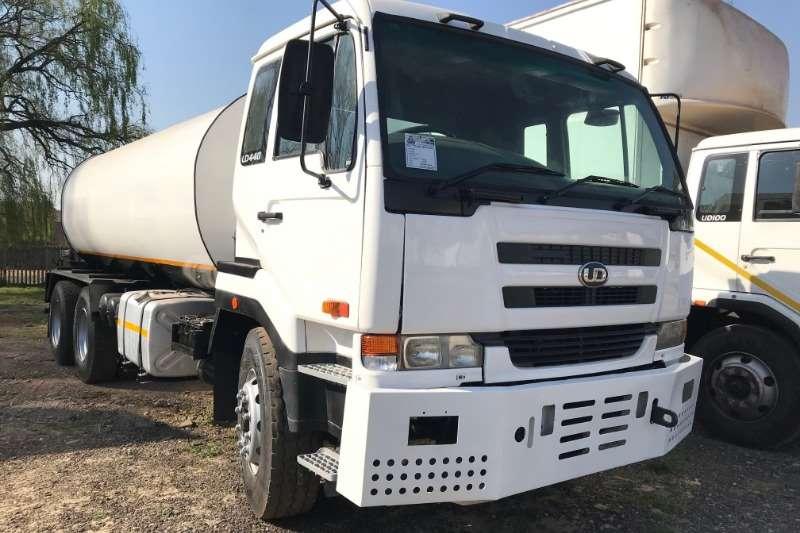 Nissan Truck Water tanker UD440 6x4 18000LT Water Tanker 2008