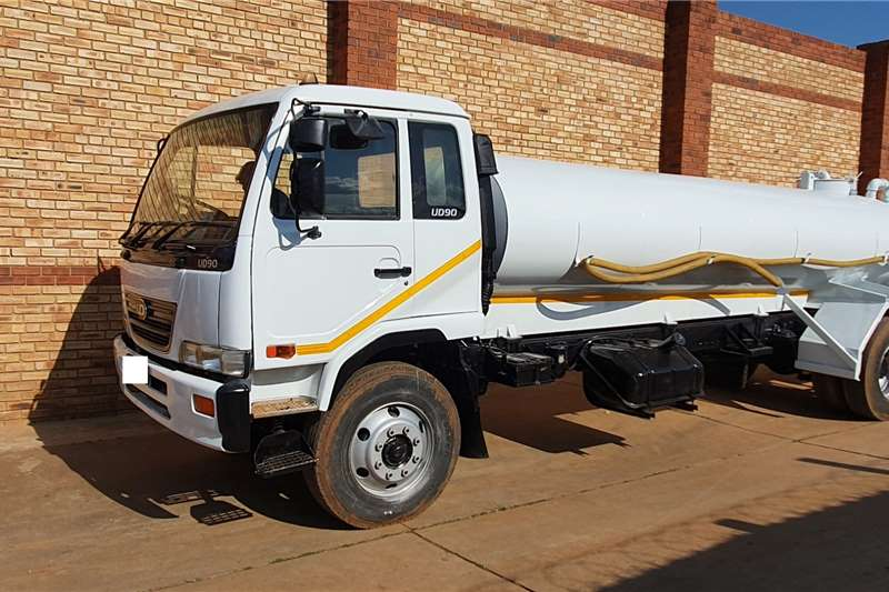 Nissan Truck Water tanker UD90,WITH 8000L WATER TANK,EX MUNICIPAL VEHICLE 2005