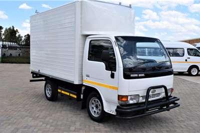 2003 Nissan UD 20 Vo