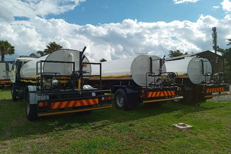 Nissan 10x Water Tankers   Drinking Water And Sprinklers Water bowser trucks