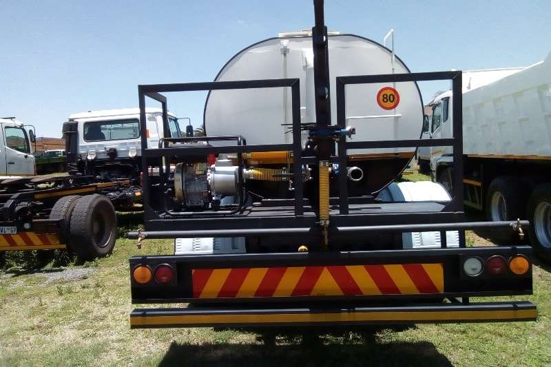 Nissan 2007 Nissan UD 90   10 000 Litres Water Tanker Water bowser trucks