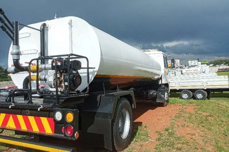 Nissan 2007 Nissan UD 90   10 000 Litres Water Tanker For Water bowser trucks