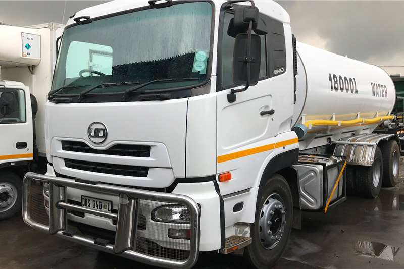 Nissan Water bowser trucks 2011 Nissan UD460 18000L water tanker 2011