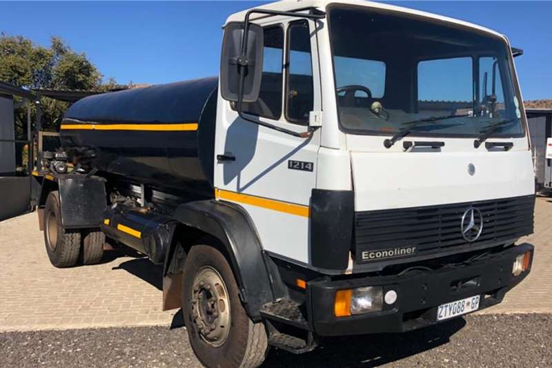 Nissan Water bowser trucks Autobox 7000L Water Tank 1996