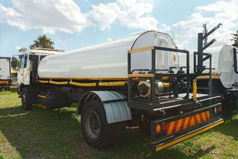 Nissan DRINKING WATER TANKER WITH SPRINKLERS FOR SALE Water bowser trucks