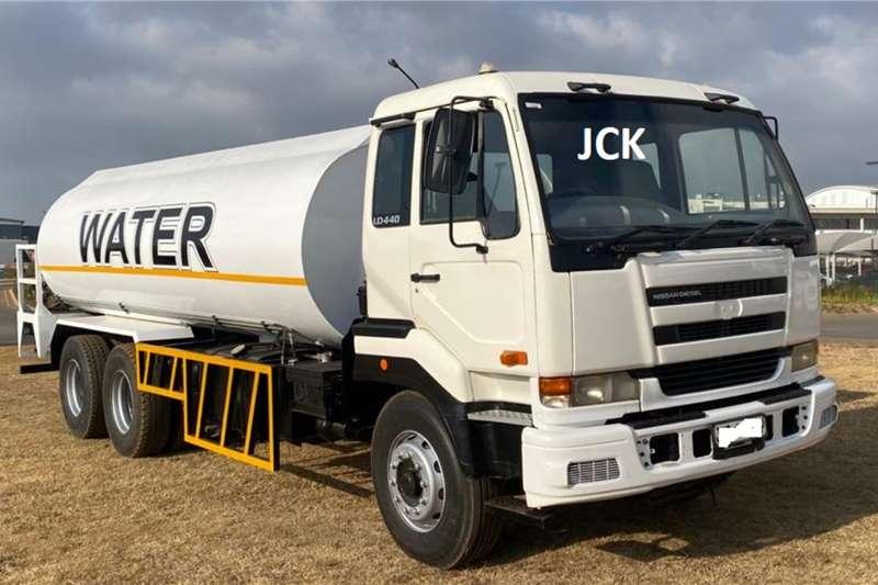 Nissan NISSAN UD440, 18,000LT WATER TANKER Water bowser trucks