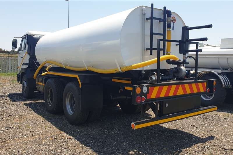 Nissan UD440 Water bowser trucks