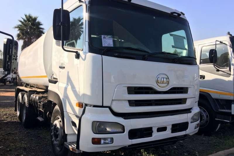 Nissan Water bowser trucks UD460 16000LT Water Tanker 2010
