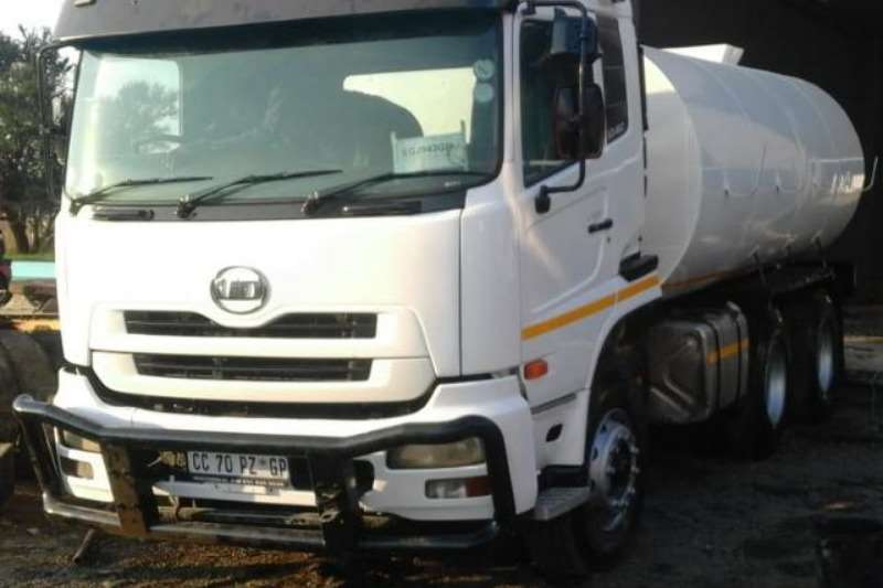 Nissan Water Bowser Trucks UD460 with new 18000Lt water tank with hydraulic P 2008