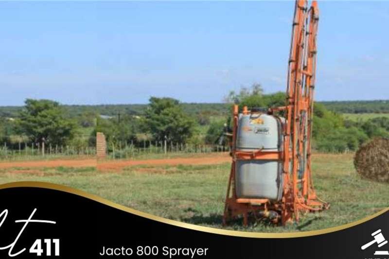 Jacto 800 Sprayer Other