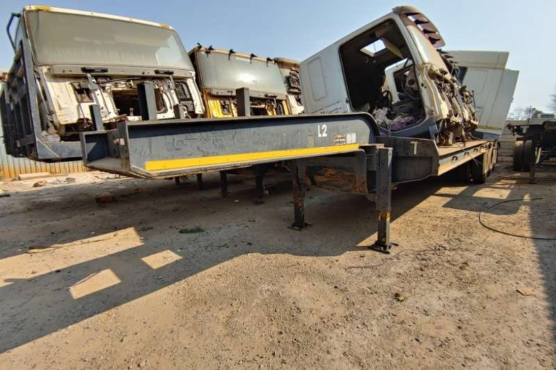 Other Trailers Folding Goose neck Trailer