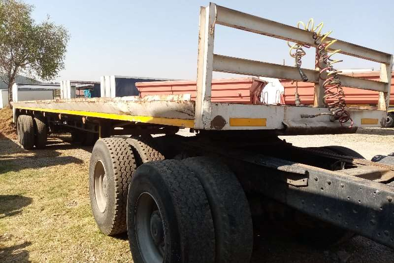 Other Trailers Tri-Axle Pieters Engineering, Double Axle Trailer 1989