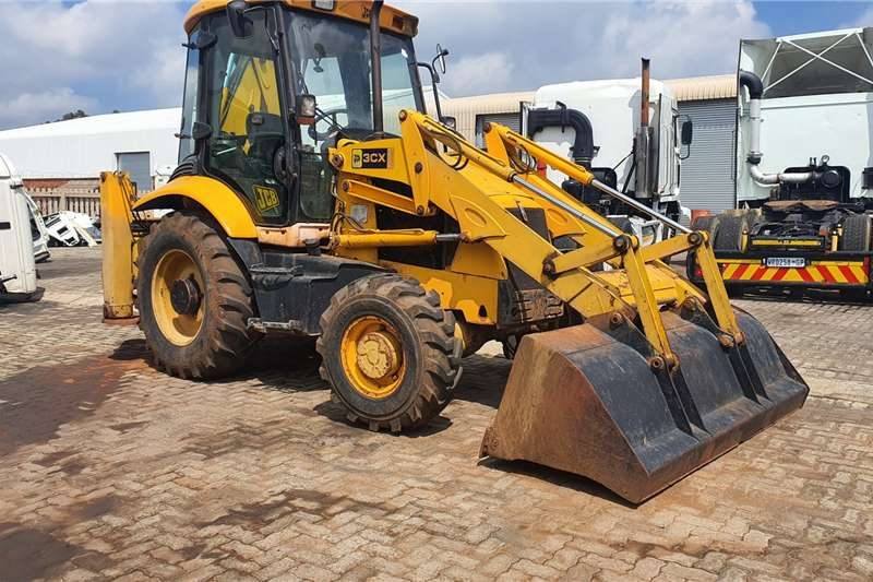 Other Truck JCB TLB 4X4 2004