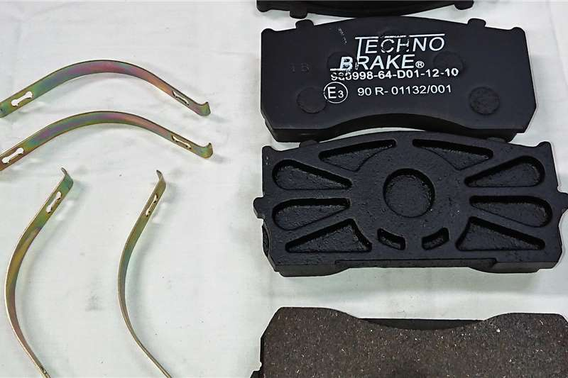 Other Brake Pads Mercedes Atego/ MAN (MA0044204820) Truck spares and parts