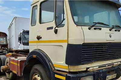 Other Double axle MERCEDES BENZ 2628 V SERIES Truck tractors