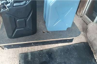 PAJERO 4X4 DRAWER CONVERSION WITH WATER CAN AND Other trucks