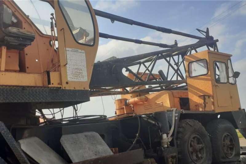P & H 70 Ton Crane Truck