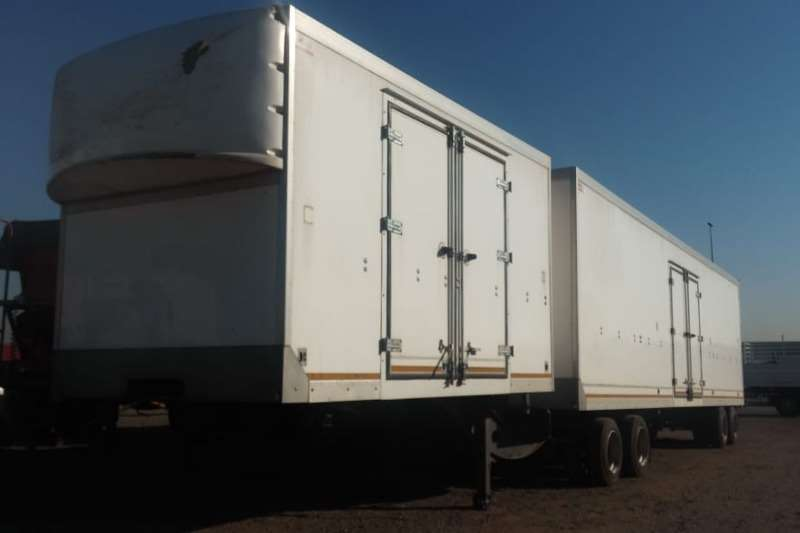 Paramount Trailers Dry Freight Link Trailer with Tail lift 2017