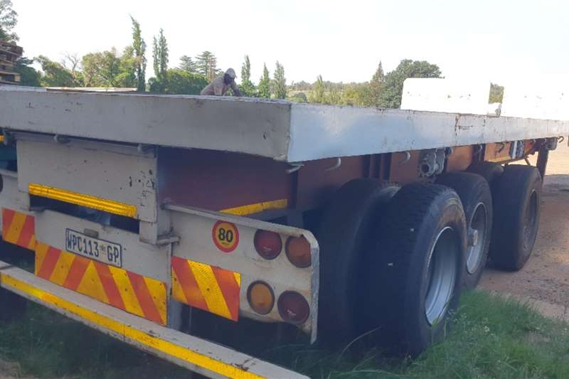 Paramount Trailers Flat deck Tri axle (View by appointment) 2006