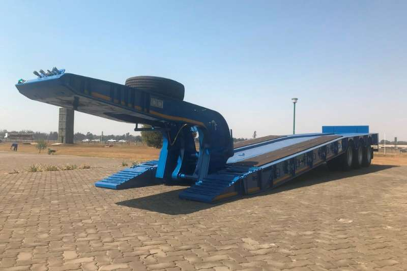 Paramount Goose neck 3 Axle Knock Out Neck Trailers