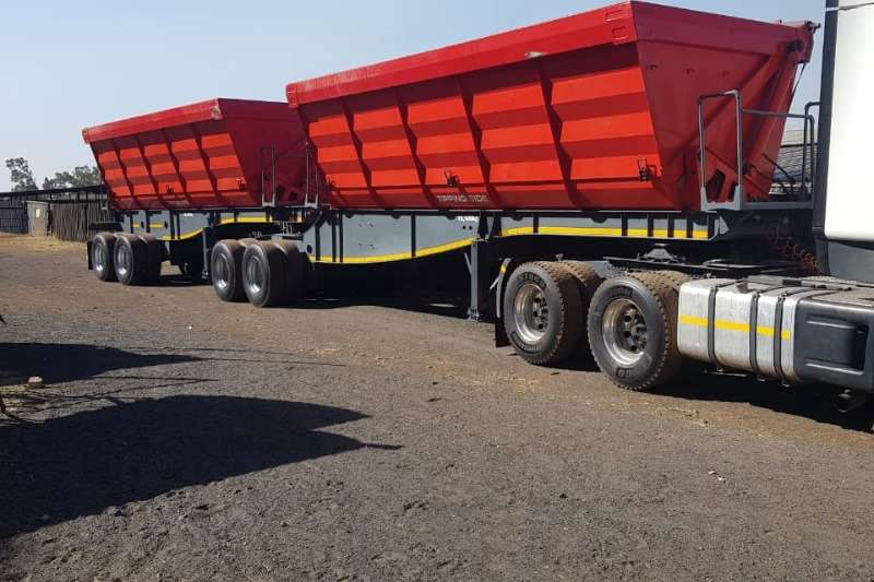 Paramount Trailers Side tipper 40M³ Side Tipper 2017