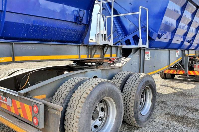 Paramount Side tipper PARAMOUNT 40 CUBE SIDE TIPPER Trailers