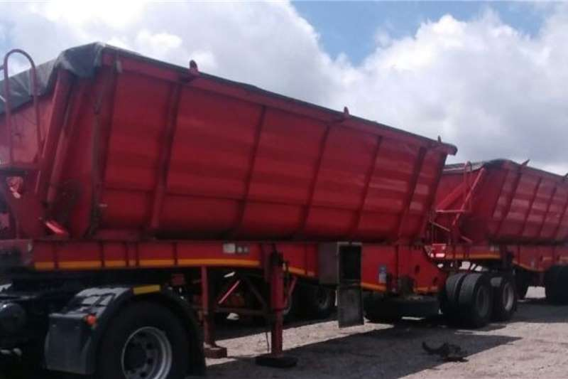 Paramount Trailers Side tipper Side Tipper Link 2014
