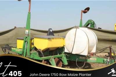 John Deere 1750 Row Maize Planter Planting and seeding equipment