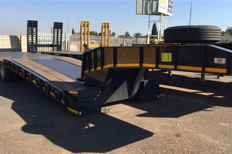 PR Trailers Trailers Slope deck PR TRAILER TRI AXLE LOW BED 2020